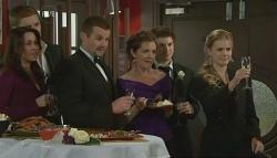Libby Kennedy, Dan Fitzgerald, Toadie Rebecchi, Susan Kennedy, Declan Napier, Elle Robinson in Neighbours Episode 5762