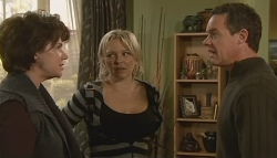 Lyn Scully, Steph Scully, Paul Robinson in Neighbours Episode 5762
