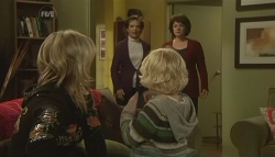 Steph Scully, Susan Kennedy, Charlie Hoyland, Lyn Scully in Neighbours Episode 5768