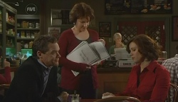 Paul Robinson, Lyn Scully, Rebecca Napier in Neighbours Episode 5768