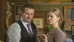 Toadie Rebecchi, Elle Robinson in Neighbours Episode 5771