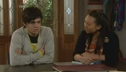 Zeke Kinski, Sunny Lee in Neighbours Episode 5772