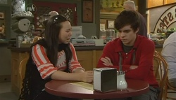 Sunny Lee, Zeke Kinski in Neighbours Episode 5772