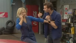 Steph Scully, Lucas Fitzgerald in Neighbours Episode 5773
