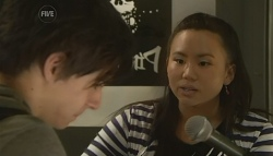 Zeke Kinski, Sunny Lee in Neighbours Episode 5773