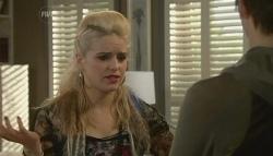 Melissa Evans, Zeke Kinski in Neighbours Episode 5773