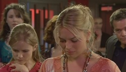 Kate Ramsay, Elle Robinson, Donna Freedman, Paul Robinson in Neighbours Episode 5775