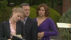 Elle Robinson, Paul Robinson, Rebecca Napier in Neighbours Episode 5776
