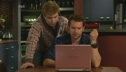 Ringo Brown, Lucas Fitzgerald in Neighbours Episode 5776