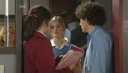 Kate Ramsay, Amanda Fowler, Harry Ramsay in Neighbours Episode 5777