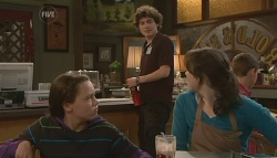 Sophie Ramsay, Harry Ramsay, Kate Ramsay in Neighbours Episode 5777