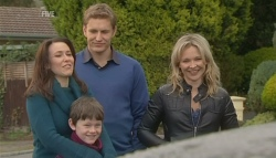 Libby Kennedy, Ben Kirk, Dan Fitzgerald, Steph Scully in Neighbours Episode 5779