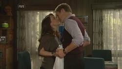 Libby Kennedy, Dan Fitzgerald in Neighbours Episode 5779