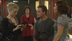 Elle Robinson, Lyn Scully, Paul Robinson, Rebecca Napier in Neighbours Episode 5780