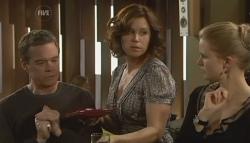 Paul Robinson, Rebecca Napier, Elle Robinson in Neighbours Episode 5780