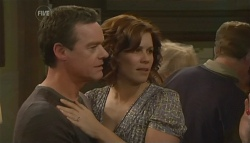 Paul Robinson, Rebecca Napier in Neighbours Episode 5780