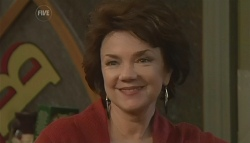 Lyn Scully in Neighbours Episode 5780