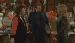 Lyn Scully, Kate Ramsay, Lucas Fitzgerald, Steph Scully in Neighbours Episode 5781