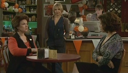 Lyn Scully, Steph Scully, Kate Ramsay, Rebecca Napier in Neighbours Episode 5781