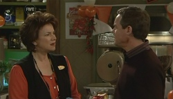 Lyn Scully, Paul Robinson in Neighbours Episode 5781
