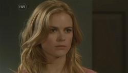 Elle Robinson in Neighbours Episode 5782