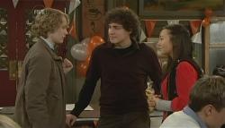 Robin Hester, Harry Ramsay, Sunny Lee in Neighbours Episode 5783