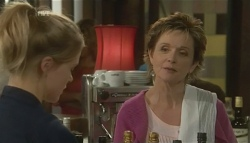 Elle Robinson, Susan Kennedy in Neighbours Episode 5783