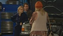 Elle Robinson, Lucas Fitzgerald, Donna Freedman in Neighbours Episode 5783