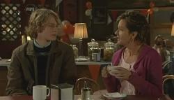 Robin Hester, Susan Kennedy in Neighbours Episode 5783