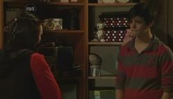 Sunny Lee, Zeke Kinski in Neighbours Episode 5784