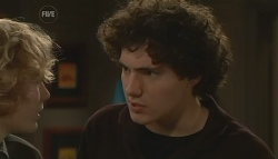 Robin Hester, Harry Ramsay in Neighbours Episode 5786