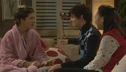Susan Kennedy, Zeke Kinski, Sunny Lee in Neighbours Episode 5786