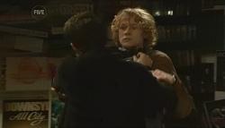 Zeke Kinski, Robin Hester in Neighbours Episode 5786