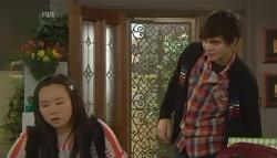 Sunny Lee, Zeke Kinski in Neighbours Episode 5787