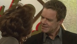 Lyn Scully, Paul Robinson in Neighbours Episode 5787