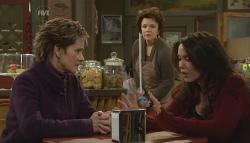 Susan Kennedy, Lyn Scully, Libby Kennedy in Neighbours Episode 5787