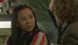 Sunny Lee, Robin Hester in Neighbours Episode 5787