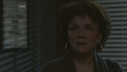 Lyn Scully in Neighbours Episode 5787