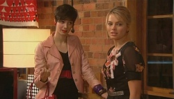 Lindsay Stace, Donna Freedman in Neighbours Episode 5788