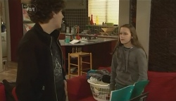 Harry Ramsay, Sophie Ramsay in Neighbours Episode 5790