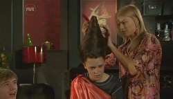 Ringo Brown, Sophie Ramsay, Donna Freedman in Neighbours Episode 5790