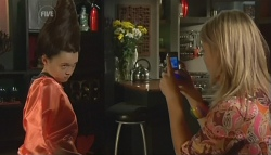 Sophie Ramsay, Donna Freedman in Neighbours Episode 5790