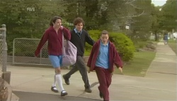 Kate Ramsay, Harry Ramsay, Sophie Ramsay in Neighbours Episode 5791