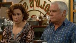 Rebecca Napier, Lou Carpenter in Neighbours Episode 5796