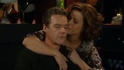Paul Robinson, Rebecca Napier in Neighbours Episode 5796