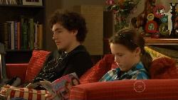 Harry Ramsay, Sophie Ramsay in Neighbours Episode 5806