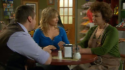 Toadie Rebecchi, Steph Scully, Lyn Scully in Neighbours Episode 5806