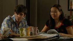Zeke Kinski, Sunny Lee in Neighbours Episode 5807