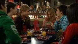 Declan Napier, Kate Ramsay, Ringo Brown, Donna Freedman, Zeke Kinski, Sunny Lee in Neighbours Episode 5807