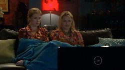 Elle Robinson, Donna Freedman in Neighbours Episode 5808